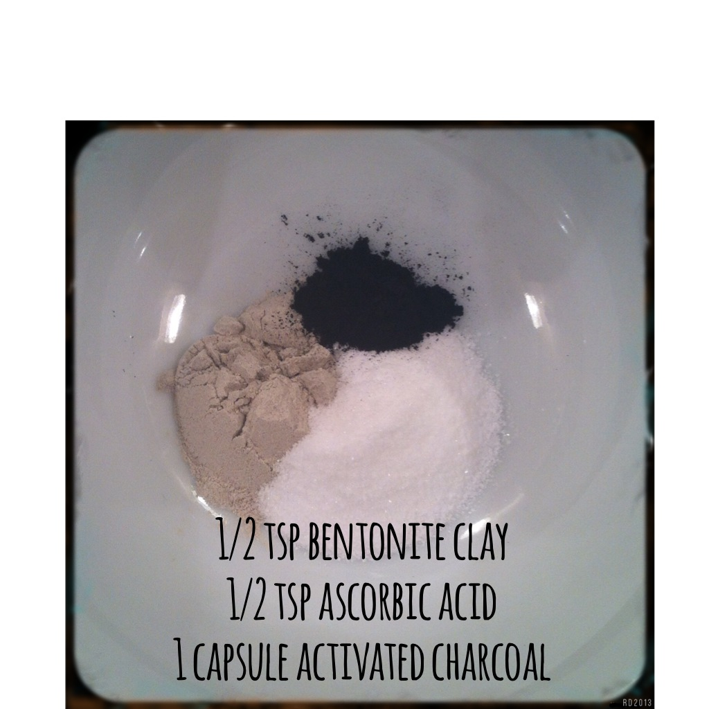 Bentonite Clay And Activated Charcoal Face Mask: Cleansing Charcoal Mask